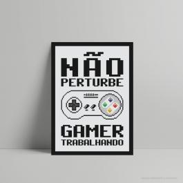 QUADRO DECORATIVO GEEK GAMER TRABALHANDO PS 3mm