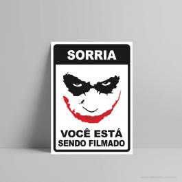 QUADRO DECORATIVO GEEK SORRIA VOCÊ ESTÁ SENDO FILMADO PS 3mm