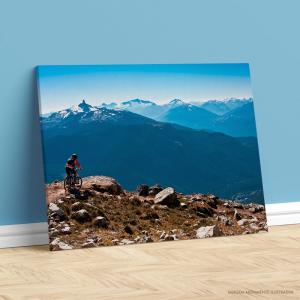 Quadro Canvas - CICLISTA NAS MONTANHAS Tecido Canvas Impresso Três Tamanhos   Estrutura em Madeira