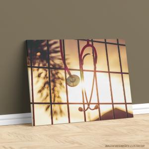 Quadro Canvas - Estetoscópio ao Sol Tecido Canvas Impresso Três Tamanhos   Estrutura em Madeira